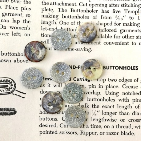 Mother of pearl glitter button - Silver
