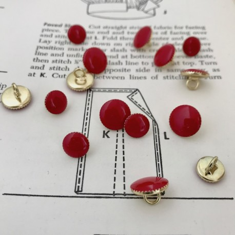 Round Metal Button - Red