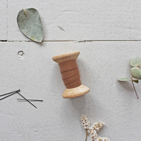 BIAS - Dobby Chestnut - Atelier Brunette